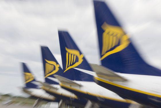 Ryanair SCQ