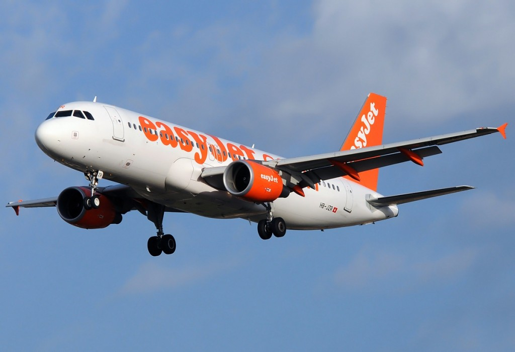 Airbus_A320-214,_EasyJet_Airline_AN1954861
